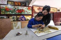 刘晶涛一个把景泰蓝装进画框的非遗文化传承人